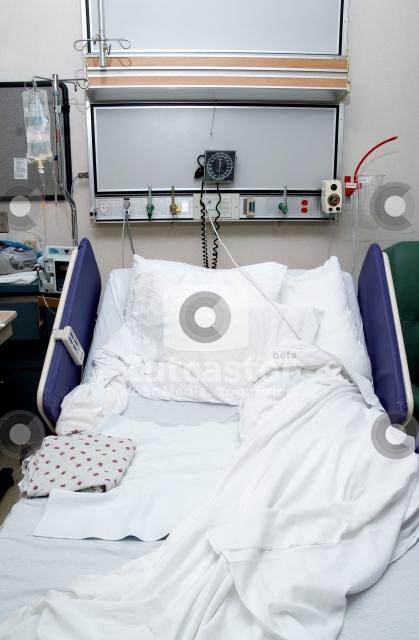 Merveilleux Hospital Room Bed